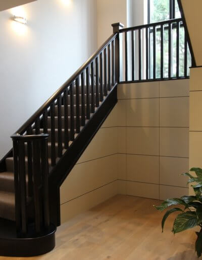 light-black-mahogony-wood-stair-case-design