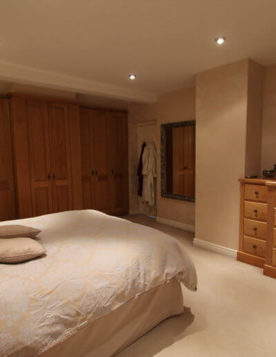 Traditional-Oak-Bedroom